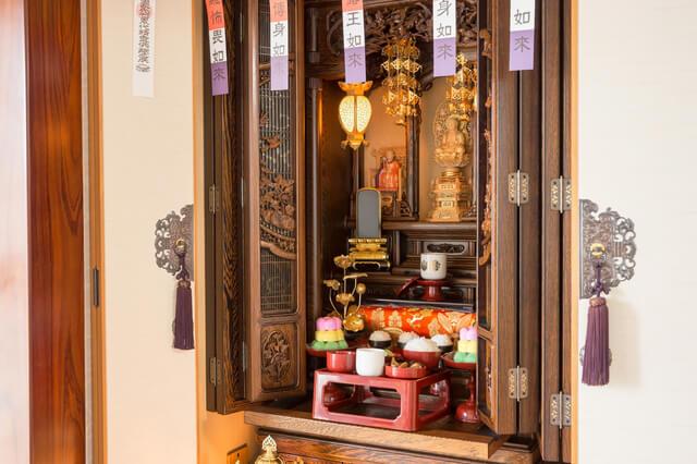 butsudan shrine in Japanese home